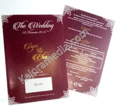 kartu undangan warna merah maroon