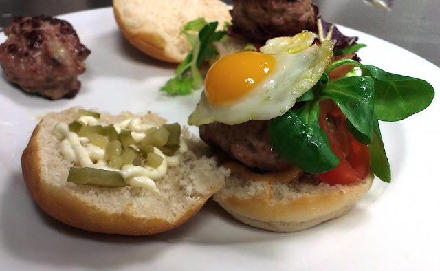 Mini hamburguesas rellenas de queso Alocados en la Cocina