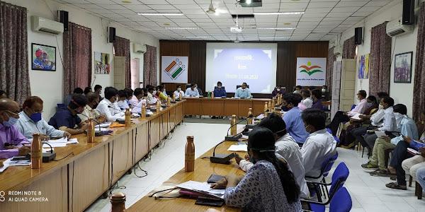 समयावधि पत्रों की समीक्षा बैठक में कलेक्टर ने अधिकारियों को दिये निर्देश