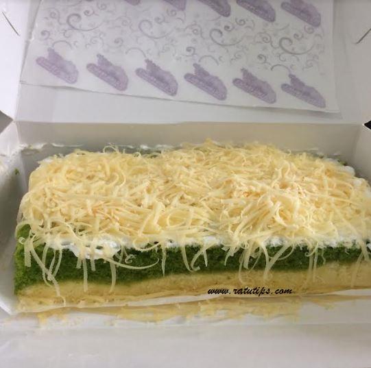 Review Cake Lapis Green Tea Oleh Oleh Khas Bogor yang Murah dan Enak Banget!