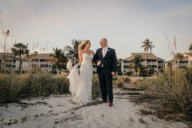 wedding photograph on sanibel isalnd, florida