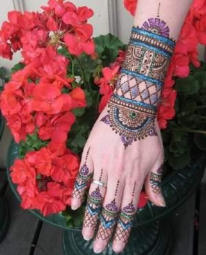 Glittered Khaleeji Mehndi Designs