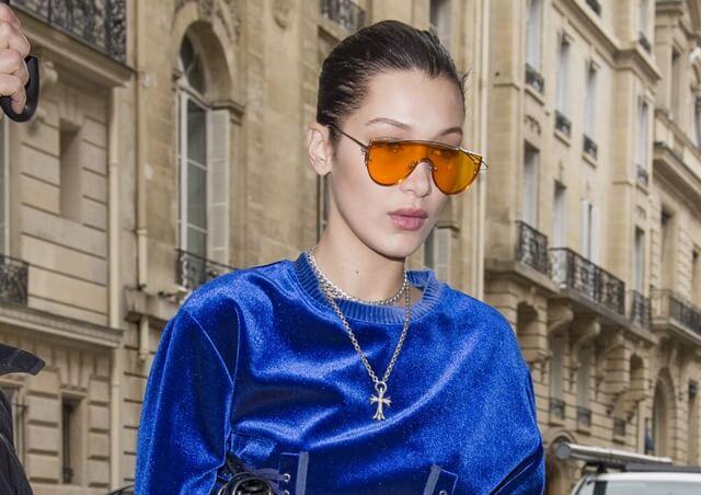 2017-03-06 パリの街角でベラ・ハディッド(Bella Hadid)をキャッチ。