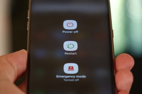 cara-mengatasi-mobile-network-not-available-android-reboot