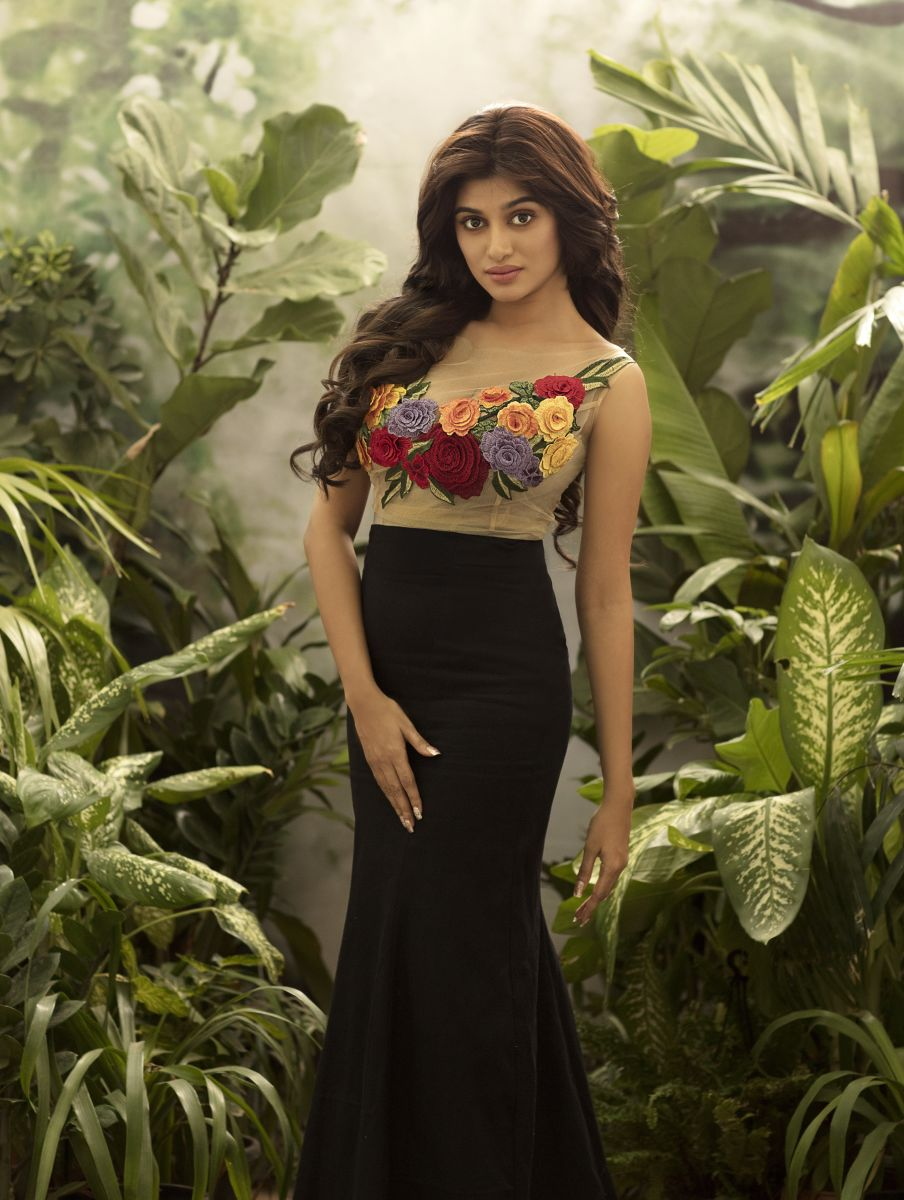 Oviya Latest 2019 Photoshoot Stills