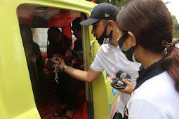 Rayakan HUT RI, Alumni IPDN Angkatan XX di Kota Ambon Bagi Masker ke Warga