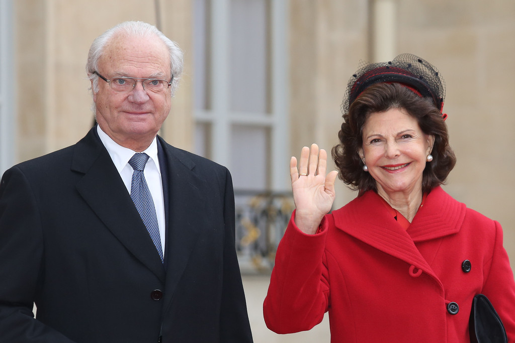 King Carl Gustav of Sweden and Queen Silvia of Sweden arrive for a State Dinner at Elysee Palac