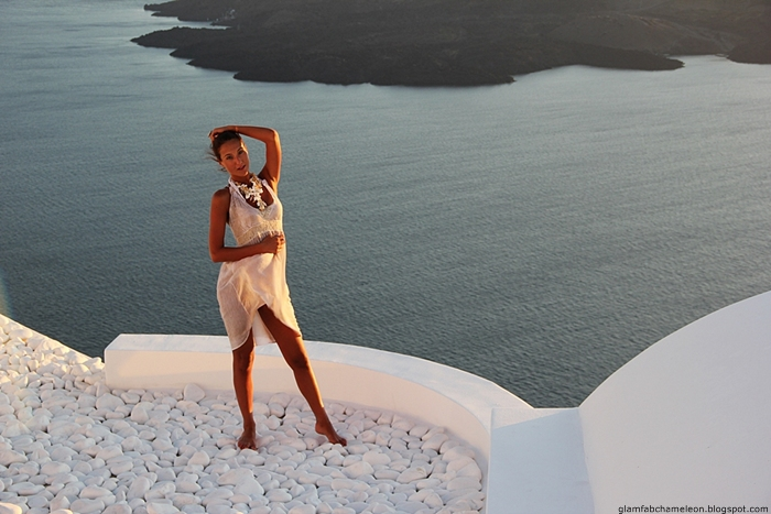 best outfits for Santorini and Cyclades