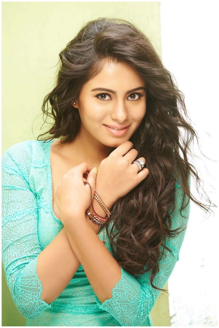 Actress Deepa Sannidhi Gorgeous Photos