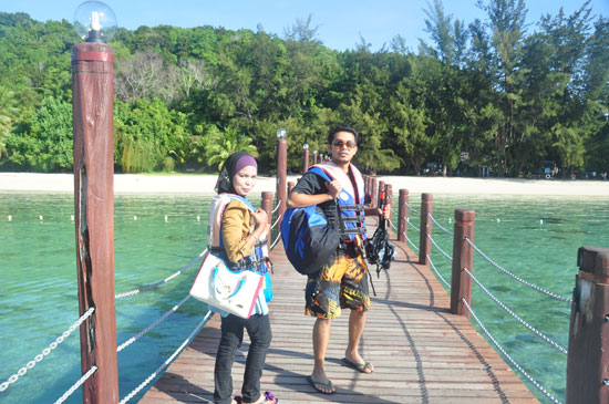 Kawasan jeti Pulau Manukan. Sewa bot dan enjoy