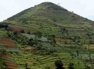 Makalah Situs Megalit Gunung Padang Cianjur
