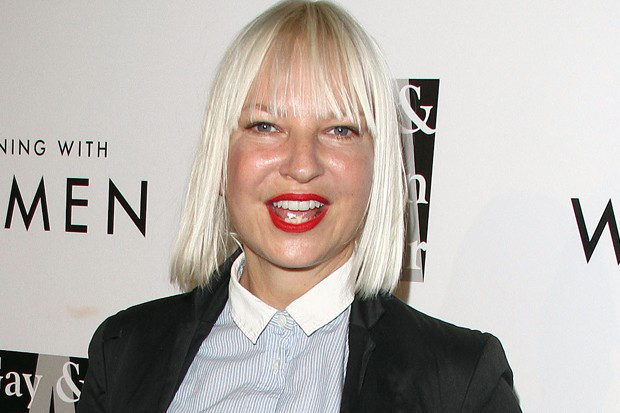"""Escucha """"Waving Goodbye"""", nueva canción de Sia para la película """"The Neon Demon""""."""