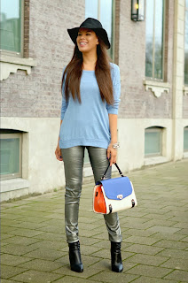 http://tamarachloestyleclues.blogspot.nl/2014/01/baby-blues-with-myca-couture.html