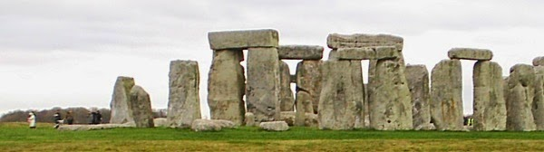 Stonehenge from distance - panoramic view