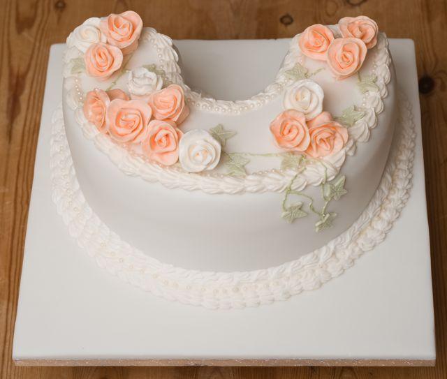 How To Make A Cake Shaped Like A Horseshoe