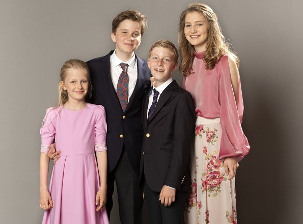 Crown Princess Elisabeth, Prince Gabriel, Prince Emmanuel and Princess Eleonore. Queen Mathilde wore Natan blouse