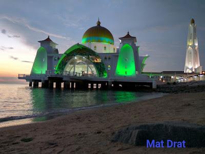 Tempat Menarik di Melaka Masjid Selat