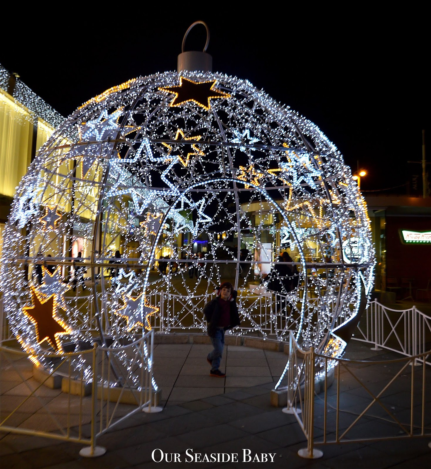 Wordless Wednesday - Giant Christmas Bauble