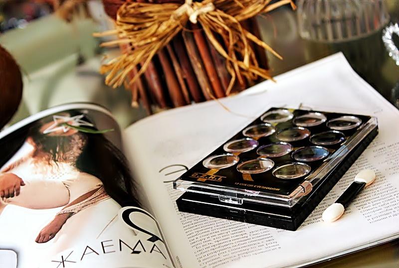 Бюджетно: Палетка теней на 12 цветов с сайта BANGGOOD / отзывы, обзор