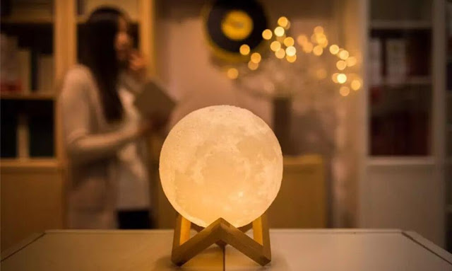 Best Moon Lamp 2018
