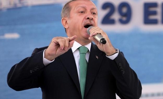 Ο Erdogan απαιτεί τη υποστολή της σημαίας του Κουρδιστάν στο Κιρκούκ