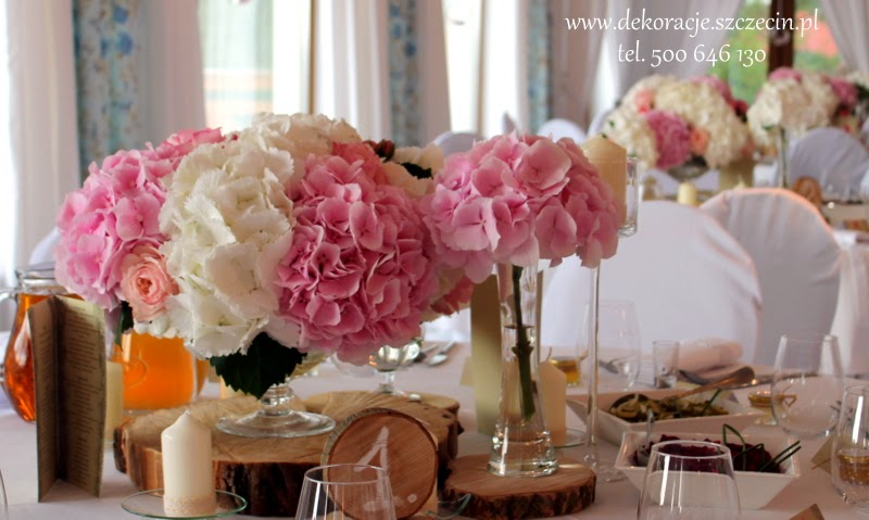 dekoracja stołu weselnego hortensje