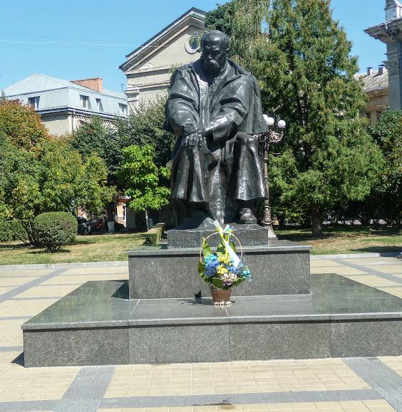 Тернополь. Памятник Т. Г. Шевченко