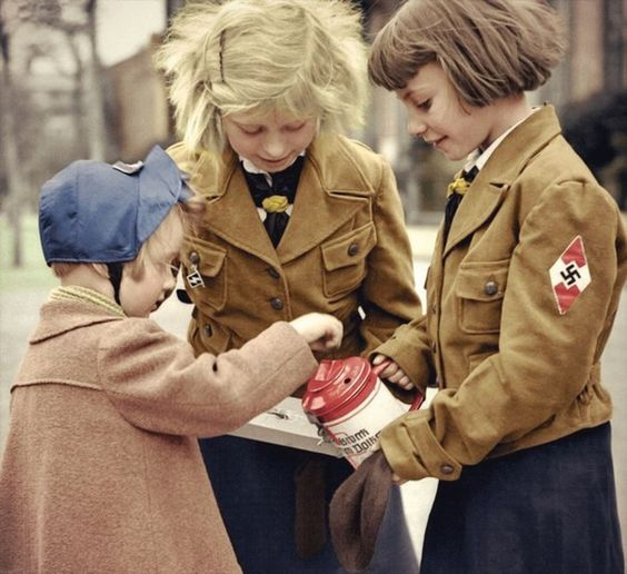 BDM Girls Color Photos World War II worldwartwo.filminspector.com
