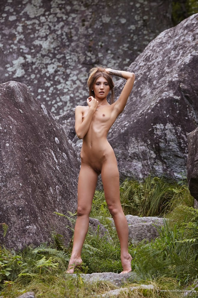 1587746435_000004 [NudeBeauties.Eu] Sashia, Saju - Morning Sunlight / Stonehedge