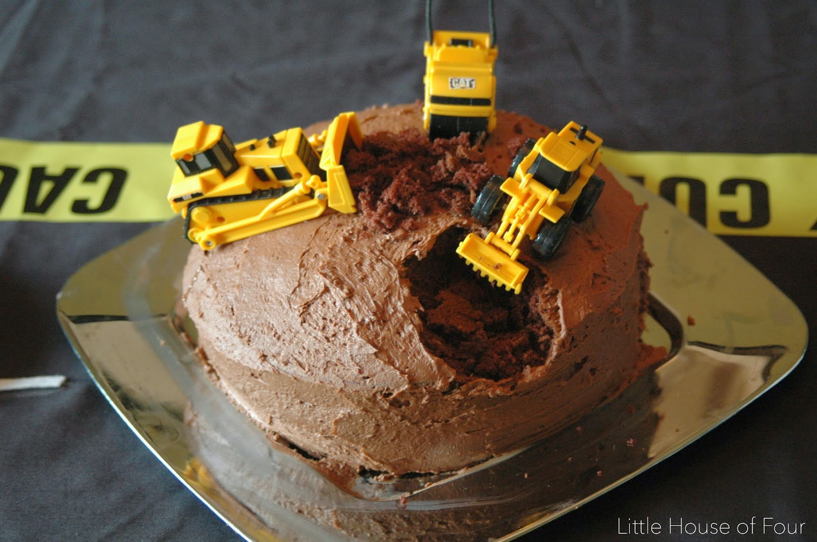 construction party birthday cake