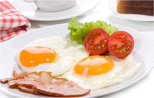 Trứng sống hay trứng chín nhiều protein hơn?