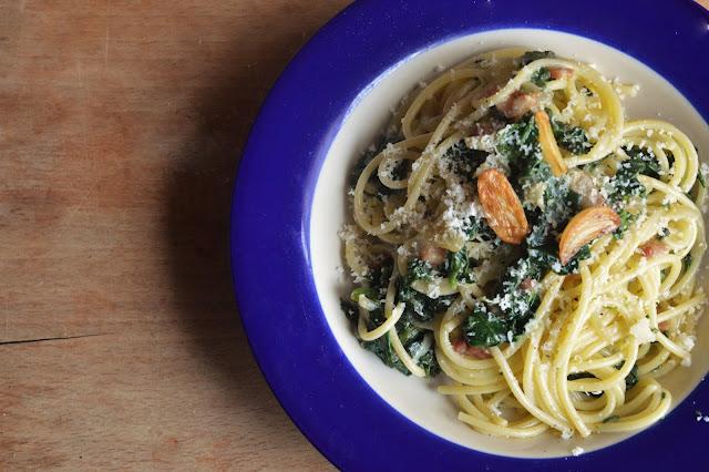 ... and Biscotti : Anti Valentine's Day: Spaghetti with Garlicky Greens