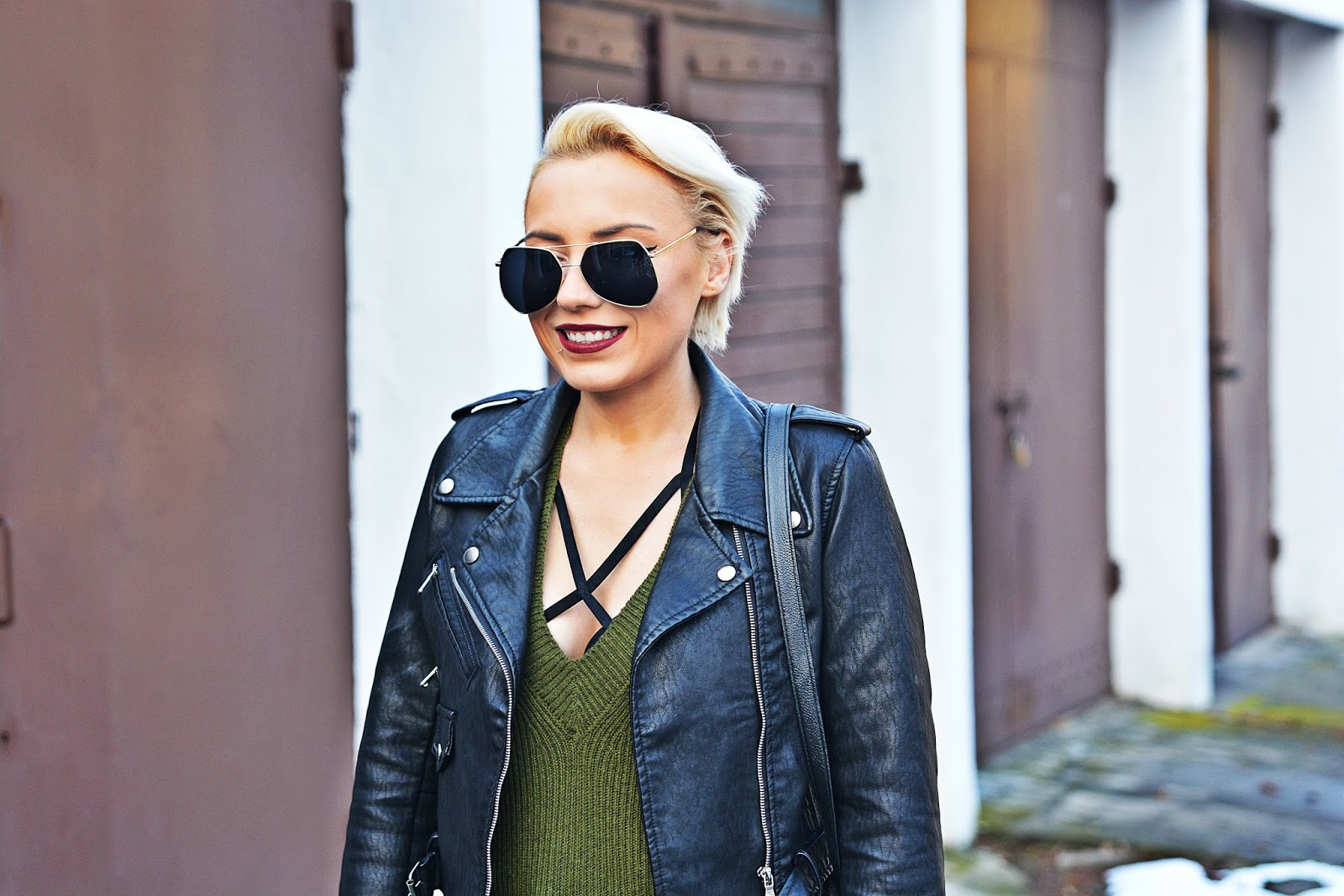 czarna_ramoneska_zara_black_biker_jacket_blog_modowy_karyn