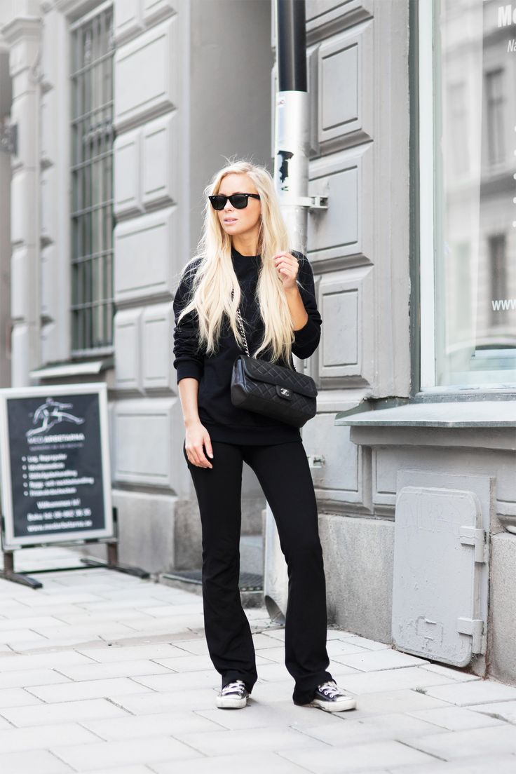 Victoria Tornegren - All Black Fall Outfit