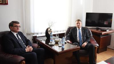 büntető törvénykönyv, btk, Románia, ombudsman, Klaus Iohannis, Victor Ciorbea,