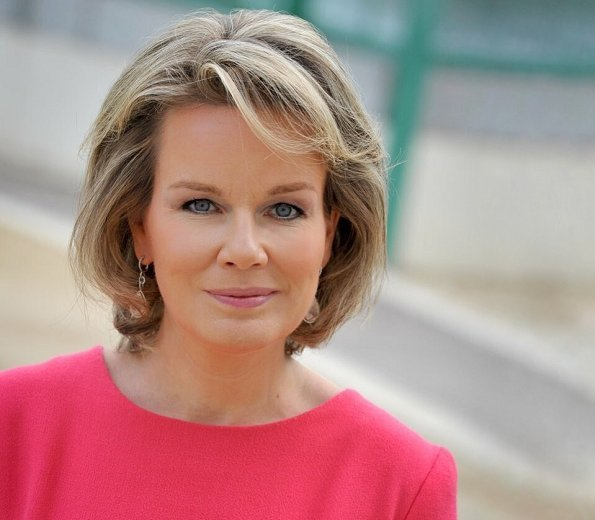 As the daughter of Count and Countess Patrick d'Udekem d'Acoz, Queen Mathilde was born into nobility. She met Prince Philippe while playing tennis