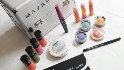bb7a198f0c9f0 شركة MAYBELLINE هي امريكية المنشأ متخصصه في صناعة ادوات ومستحضرات التجميل  من أشهر الشركات على الاطلاق ومنتجاتها مضمونه وراقية فكثير من النساء يحببن  استخدام ...