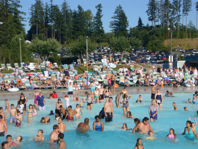 Wild Waves and Enchanted Village's wave pool