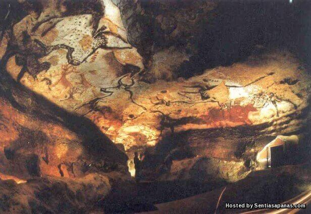 Altamira Cave Painting [8]