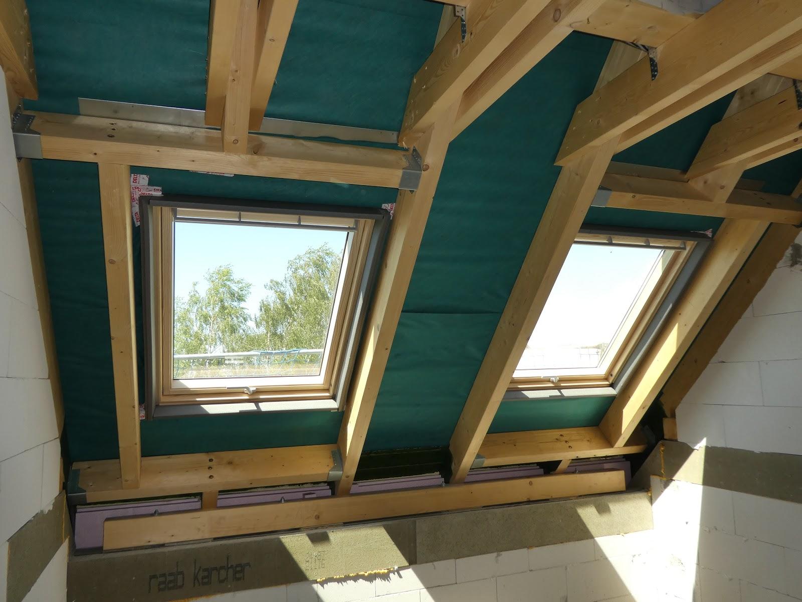 der blog von hausbauberater.de: sonnenschutz am dachfenster – so