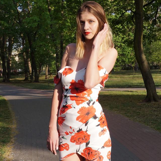 Hit tej wiosny - sukienka w kwiaty