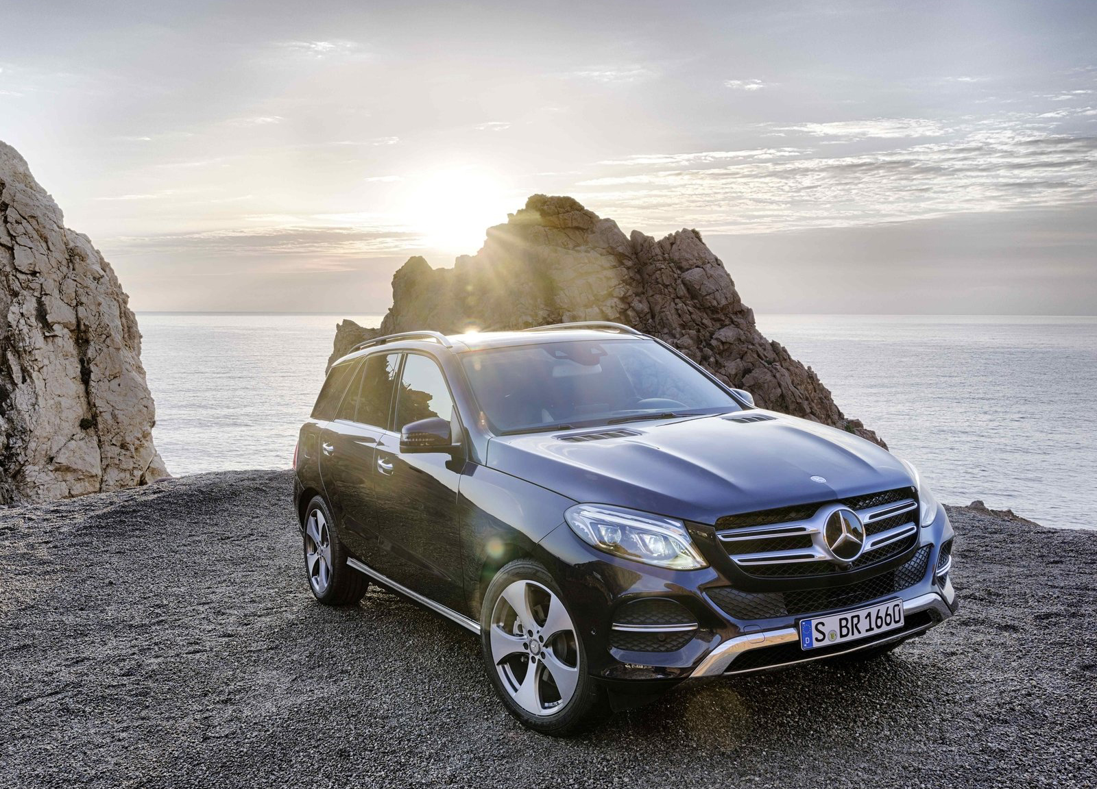 Mercedes announces us recalls for e class gle and s class for Recalls on mercedes benz