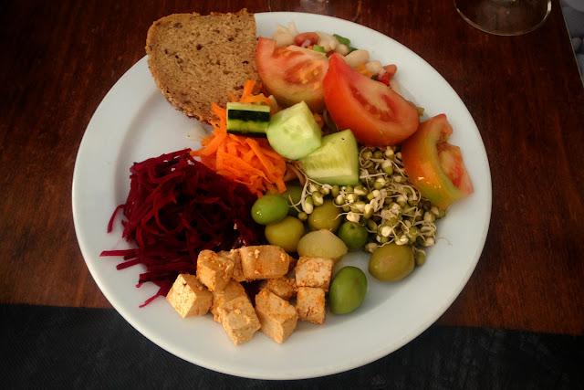 Quinoa restaurante vegetariano - Elche - Salad Buffet