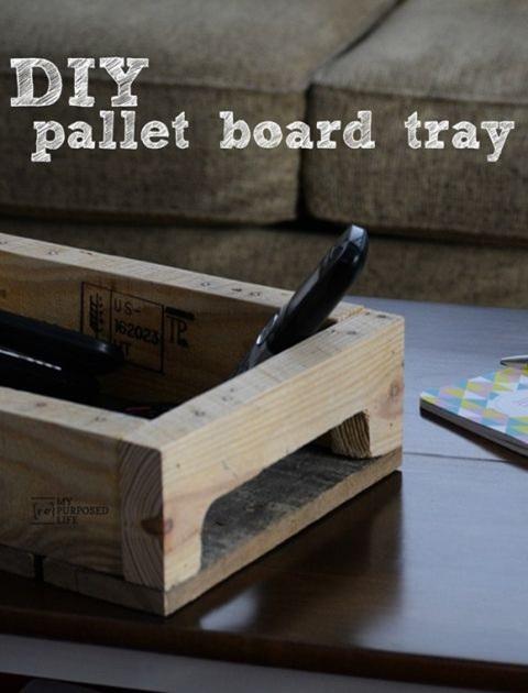 15. Nampan saji terbuat dari papan palet.