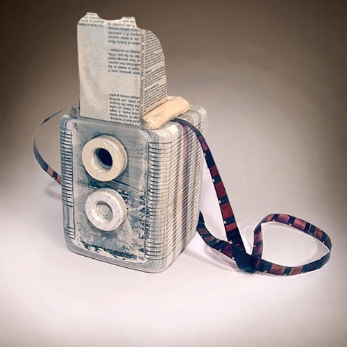 15-Argus-seventy-five-Ching-Ching-Cheng-Vintage-Camera-Sculptures-Made-of-Books-and-Maps-www-designstack-co