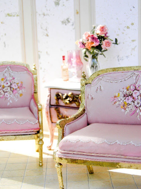French style vintage chair | Images of inspiration in Lavender, Lilac and Mauve