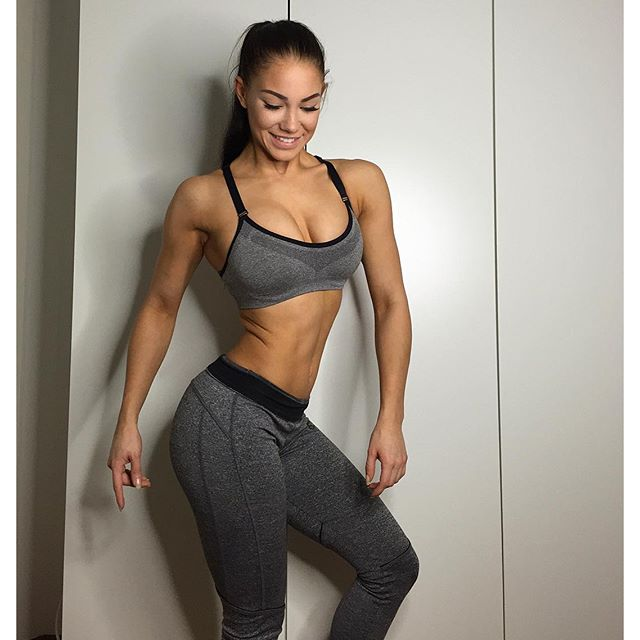 Fitness Model STEPHANIE DAVIS 4