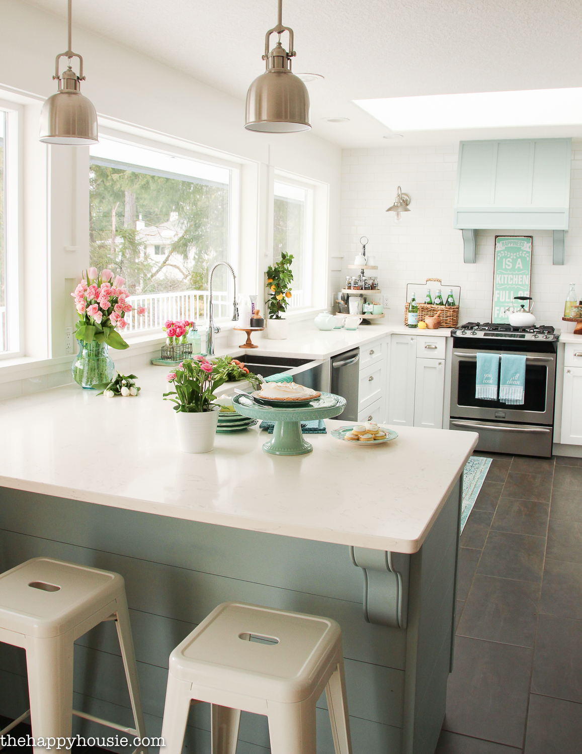 Beach Cottage Style Kitchens