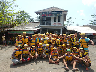 Petualangan Body Rafting Green Canyon