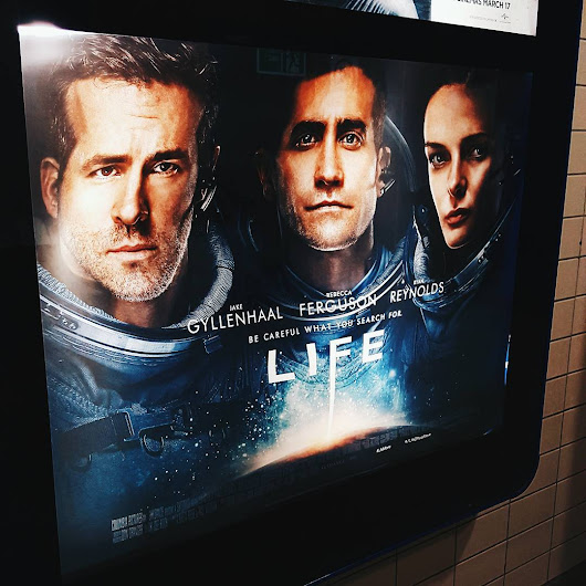 Life review: Jake Gyllenhaal and Ryan Reynolds' Space Chase
